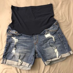 Pants - Maternity denim shorts